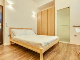 Standard Suite at Outram near CBD from $2480USD - Singapore vacation rentals