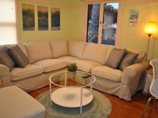 Furnished 2-Bedroom Home at Ocean Park Blvd & 5th St Santa Monica - Santa Monica vacation rentals