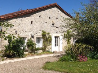 Maison Bishop Beautiful French Farmhouse - Monbazillac vacation rentals