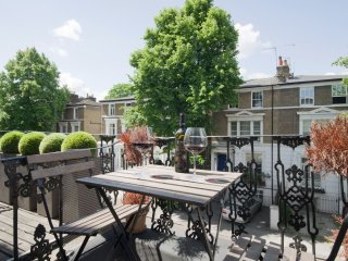 1bd flat in the heart of Chelsea {NT1} - London vacation rentals