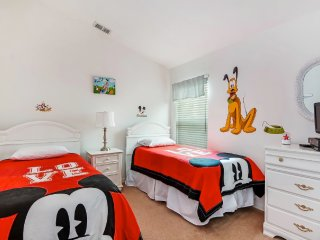 Stunning 4 Bdrm Near Disney with South Facing Pool - Davenport vacation rentals