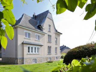 Bright 8 bedroom Gite in Arlon with Internet Access - Arlon vacation rentals