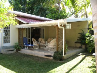 Comfortable ground floor holiday beach house - Trou aux Biches vacation rentals