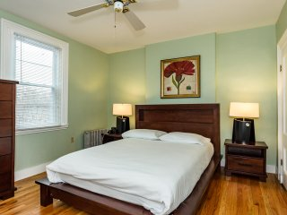 Furnished Apartment near Harvard Square Cambridge - Cambridge vacation rentals