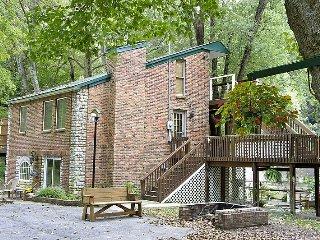 Kentucky River Cottages - 1st Floor Suite - Lexington vacation rentals