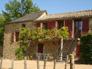 Beautiful 2 bedroom Gite in Lacapelle-Segalar - Lacapelle-Segalar vacation rentals