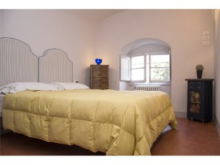 1139 LAMARMORA APARTMENT - Florence vacation rentals