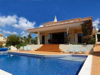 Villa Mar, Luxury, Modern Villa, 4 Bedrooms, Sleeps 8, Large Heated Pool & Table Tennis - Ferragudo vacation rentals
