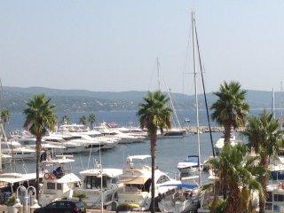 Bel appartement avec vue mer et marina - Cavalaire-Sur-Mer vacation rentals
