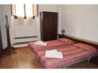59 INDIPENDENZA PATIO APARTMENT - Florence vacation rentals