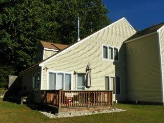 Waterville Estates Condo with Deck and Mountain Views - Campton vacation rentals