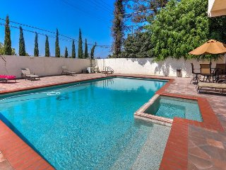 1930s Hollywood Glamour! 3BR, 2BA Los Angeles Condo with Saltwater Pool - Los Angeles vacation rentals