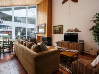 Eagle Vail Hm, Golf Community, Private Hot Tub, Convenient to Vail or Beaver - Avon vacation rentals