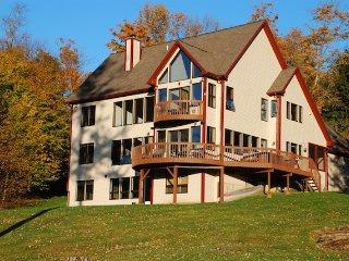 Gorgeous 6 bedroom House in Waterbury - Waterbury vacation rentals