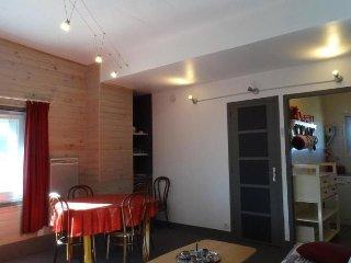 Romantic 1 bedroom Sainte-Engrace Condo with Television - Sainte-Engrace vacation rentals