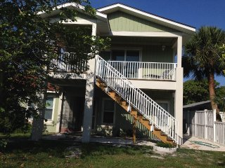 Comfortable Condo with Washing Machine and Television - Lido Key vacation rentals