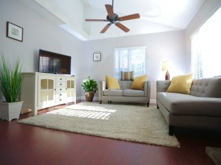 Charming house in quite garden close to the Beach - Costa Mesa vacation rentals