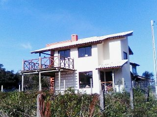 Beautiful 2 bedroom Bed and Breakfast in Praia Rosa with Balcony - Praia Rosa vacation rentals