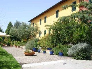 Perfect 6 bedroom Villa in Pescia - Pescia vacation rentals