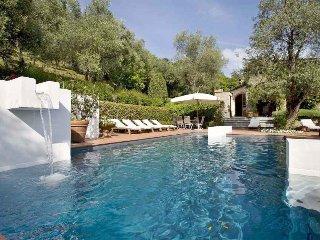 Bright 4 bedroom Villa in Nocchi - Nocchi vacation rentals