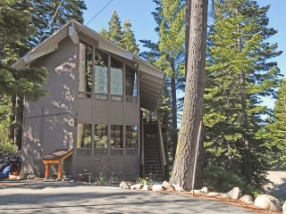 Sunny Chamberlands Home with HOA Access - Tahoma vacation rentals