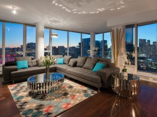 Stunning Penthouse 3 Bedroom 3 Bath Amazing Views - Vancouver vacation rentals