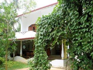 Dionis Villa :Dharma Apartment - Unawatuna vacation rentals