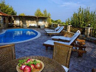 vatellis-villas. villa Victoria - Alonnisos Town vacation rentals