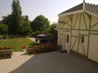 2 bedroom House with Housekeeping Included in Saint-Parres-les-Vaudes - Saint-Parres-les-Vaudes vacation rentals