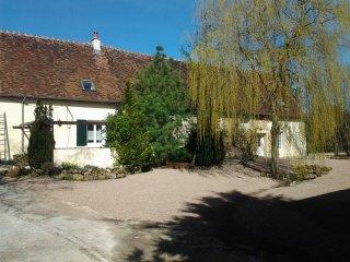 """La Chaume, THOU : Gite rural 10 p """"les arcandiers"""" en pleine campagne - Vailly-sur-Sauldre vacation rentals"""