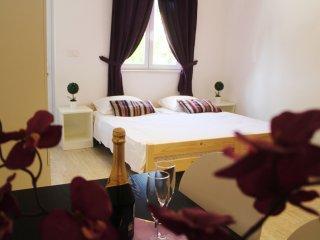 Apartments Versus- Comfort Studio Apartment - Mlini vacation rentals