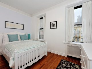 Midtown West 2BDR 1BATH apt ! #8528 - Manhattan vacation rentals