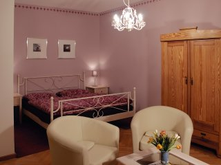 Romantic 1 bedroom Dresden Apartment with Central Heating - Dresden vacation rentals