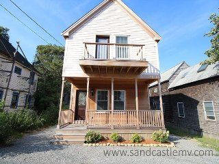 New Four Bedroom in-town Oak Bluffs Home - Oak Bluffs vacation rentals