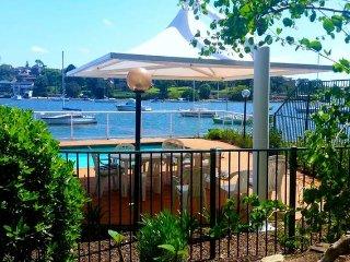 Stunning Waterfront Apartment Sydney - Sydney vacation rentals
