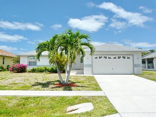 Cozy home w/ heated pool in the heart of Marco Island - Marco Island vacation rentals