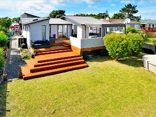 Comfortable Leigh House rental with Deck - Leigh vacation rentals