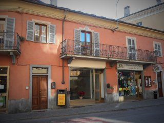 2 bedroom Bed and Breakfast with Internet Access in Caraglio - Caraglio vacation rentals