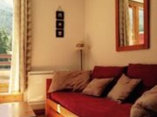 Nice 2 bedroom Lanslevillard Apartment with Internet Access - Lanslevillard vacation rentals
