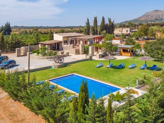 Mallorcan Finca 10sleeps with private pool and bar - Muro vacation rentals