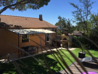 Nice House with A/C and Satellite Or Cable TV - Sausset-les-Pins vacation rentals