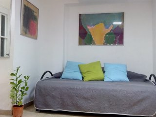Bed in 6-Bed Mixed Dormitory Room (09) - Gedera vacation rentals