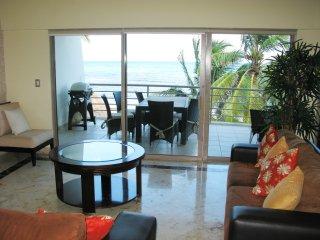204 Corto Maltes terraza vista al mar roof jacuzzi - Playa del Carmen vacation rentals