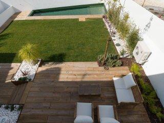 Spacious Belém Luxus apartment in Belém with WiFi, airconditioning, privéterras - Lisbon vacation rentals
