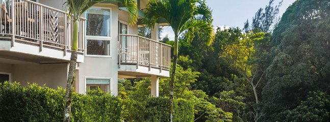 Bright 3 bedroom Apartment in Princeville - Princeville vacation rentals
