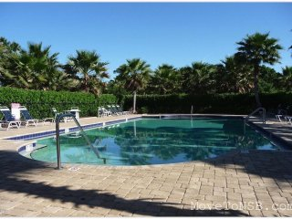 Pretty Lake Home in family community w/ pool-3/2/2 - New Smyrna Beach vacation rentals