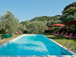 Perfect 7 bedroom Villa in Gugliano - Gugliano vacation rentals