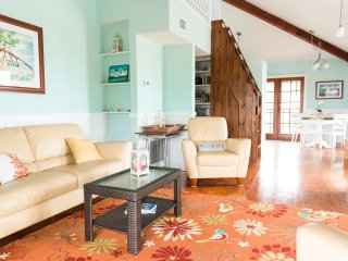 Gorgeous House with Balcony and DVD Player - Placida vacation rentals