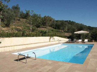 Comfortable Villa with Television and Satellite Or Cable TV - Mastiano vacation rentals