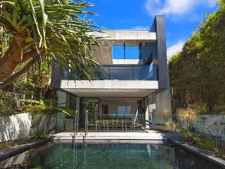 3 bedroom House with Private Outdoor Pool in Whale Beach - Whale Beach vacation rentals